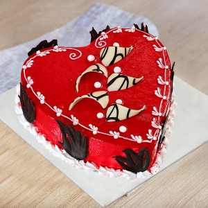 Desirable Heart Cake