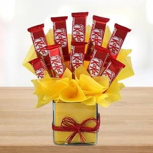 Vase of KitKat
