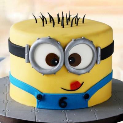 Funny Minion Cake