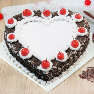 Blackforest Heart Shape Cake