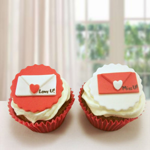 Love Letter Cup Cake