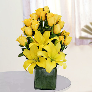 Vase Arrangement of Yellow Roses and Lilies