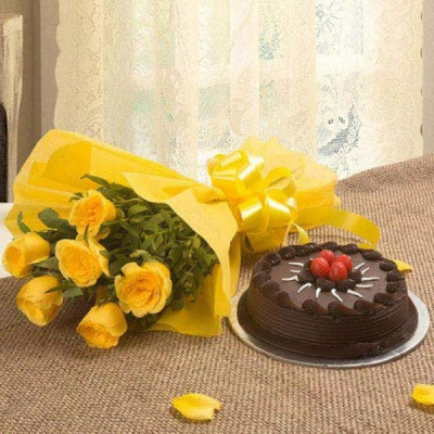 Chocolate cake With 6 yellow roses bunch