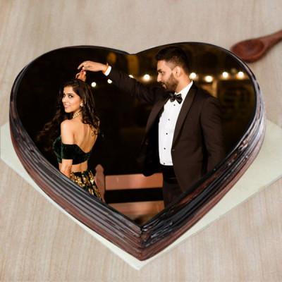 Lovely Couple Photo Cake