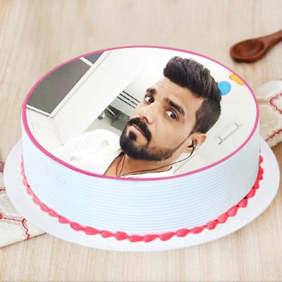 Picture Perfect Strawberry Cake