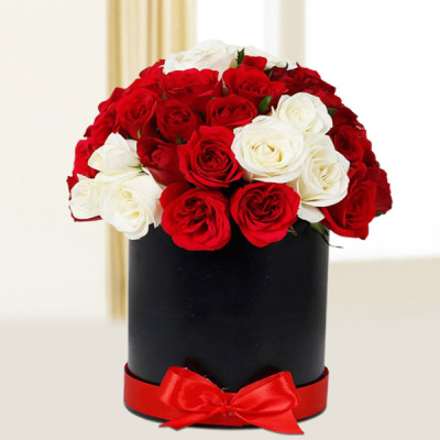White & Red Roses Box